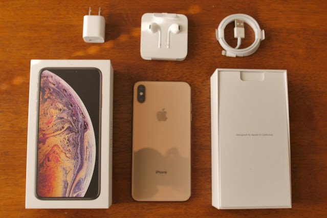 Apple-iPhone-XS-Max-unboxing