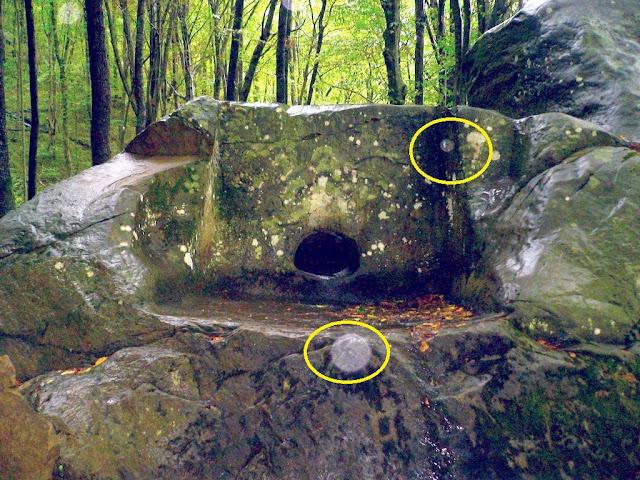 Gigantes metidos en rocas _Dolmen%2By%2Bsenal%2Bother01_mamedova