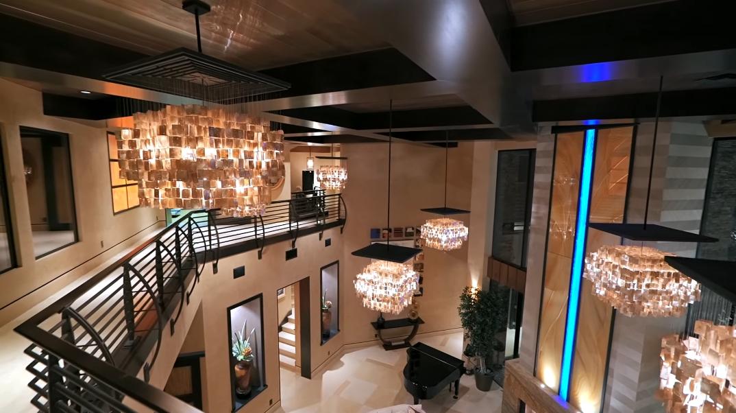 37 Interior Photos vs. Tour 11 Golden Sunray Ln, Las Vegas, NV Luxury Mansion