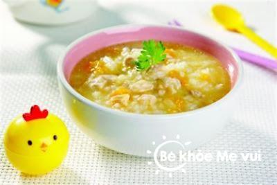 Cháo bí đỏ đậu phộng thơm ngon trong thực đơn tăng cân cho bé
