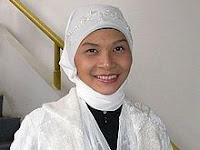 Kisah Mualaf - Karena Rangkaian Keajaiban Akhirnya Wanita Ini Masuk Islam