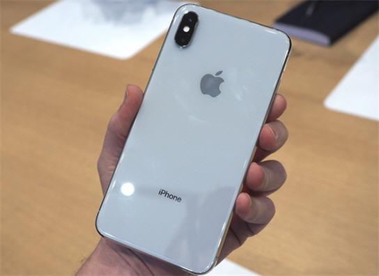 سعر ايفون iPhone XS فى مصر