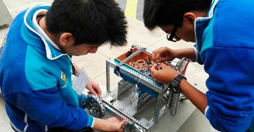73% de peruanos percibe que la tecnología en la escuela pública está atrasada, según encuesta