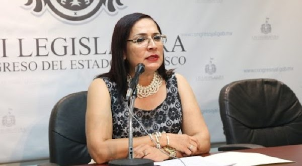 """""""Sí me bajan el sueldo de 109 mil pesos mensuales, voy a tener que robar"""", dice diputada del PRI"""