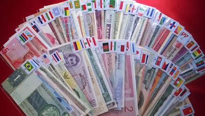 Bộ tiền quốc tế 100 tờ