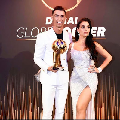 #Cristiano #Ronaldo and his #family with his 6th #Globe #Soccer #Award. 🔥👑🐐. #CR7.
