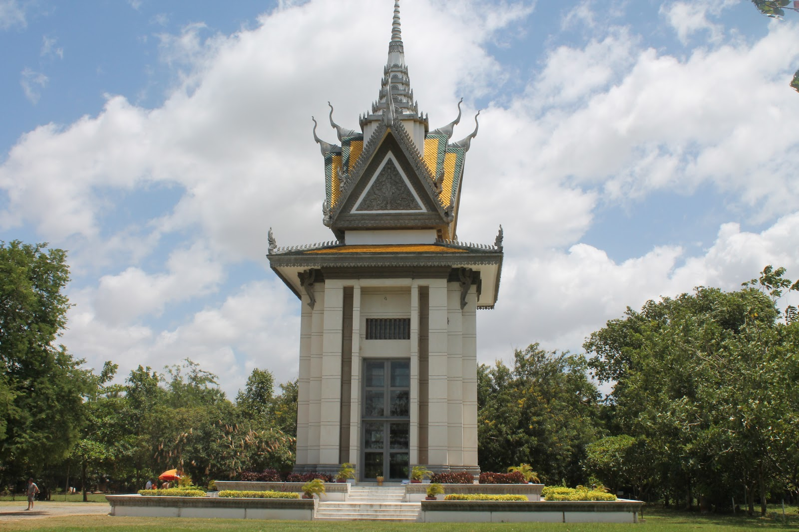 Nick and Jays Adventures: The Killing Fields, Choeung Ek