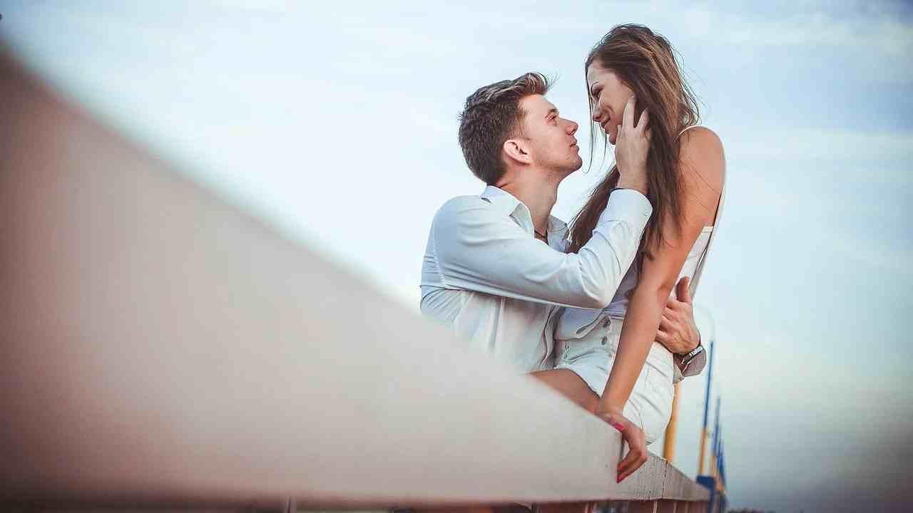 Cara membuat suami bahagia lahir batin