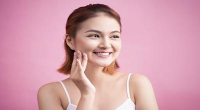 5 cara memutihkan wajah secara alami dan aman buat kantong