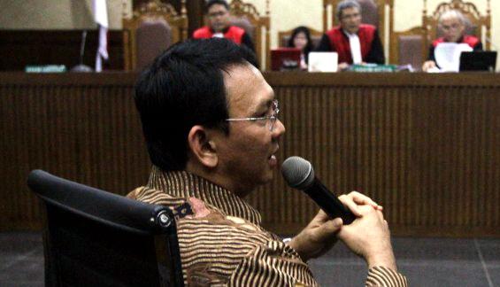 Petrus Desak Jaksa Agung dan Ketua MA Untuk Memindah Sidang Kasus Ahok Ke Papua