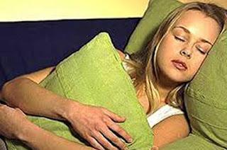 غلي الموز وشربه قبل النوم يمكنه أن يقضي على مشكلة الأرق نهائيا