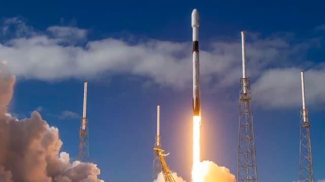 أطلقت شركة سبيس إكس العشرات من سواتل الإنترنت ذات النطاق العريض ستارلينك