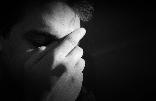 जांच के बाद कोरोना की रिपोर्ट के चक्कर में मानसिक अवसाद से गुजर रहे लोग   #NayaSaveraNetwork