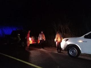 Mengantisipasi Kejahatan Saat Malam Hari, Personil Polsek Cendana Laksanakan Patroli Blue Light