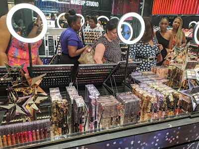 M.A.C Starring You Holiday 2019 Launch Event. November 27, 2019 - www.modenmakeup.com