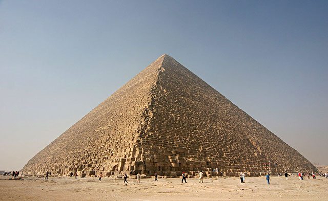 Piramid Aslinya Adalah Bangunan Makam Raksasa