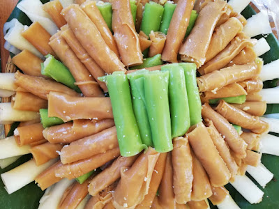 Bánh cuốn ngọt nhân dừa đậu xanh (ảnh T.V.)