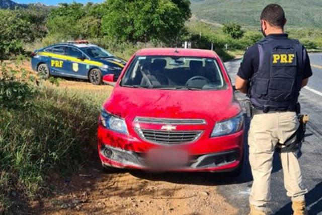 PRF recupera veículo furtado em fiscalização na Chapada Diamantina