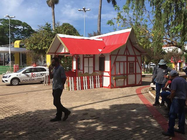 Homem é encontrado morto dentro da Casinha do Papai Noel no Centro de Dracena