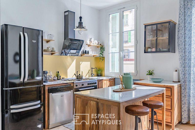 Cocina moderna con detalles vintage