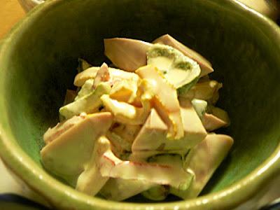 魚肉ソーセージとパプリカサラダ