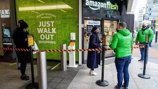 أمازون فريش أول متجر خارج الولايات المتحدة يتيح الدفع من دون المرور على الصندوق