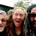 Steeve « L'Artiss » Charland et ses choristes débarquent avec un nouveau hit musical!
