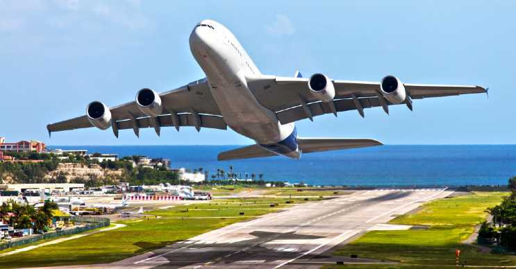 Uçak resmi St. Gallen ve Almanya arasındaki seferini gerçekleştirmek üzere havalanırken çekildi.