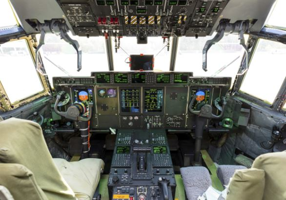 LM-100J Super Hercules cockpit