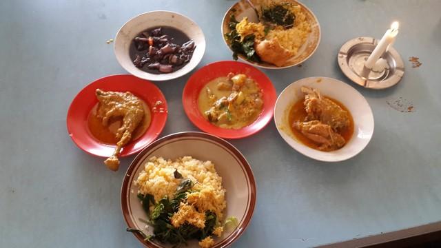 Warung Tangkilsari Malang, Pedasnya Ngangenin