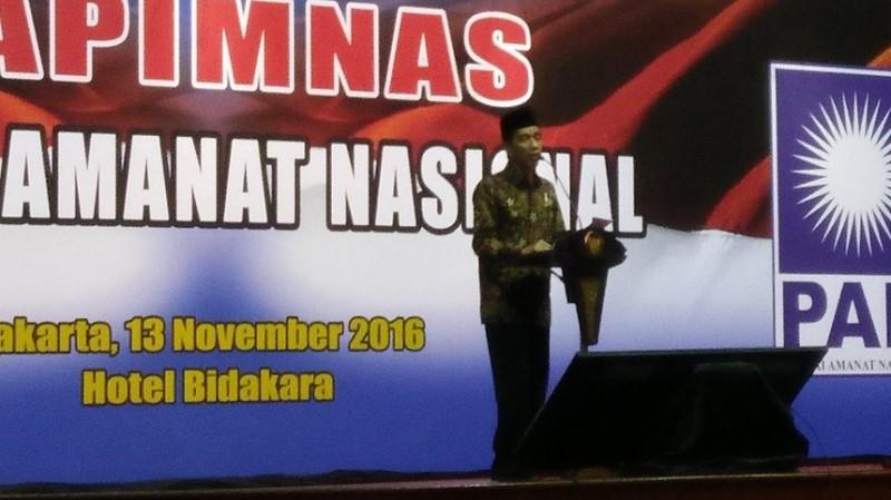 Jokowi berpidato di acara Rapimnas PAN 2016