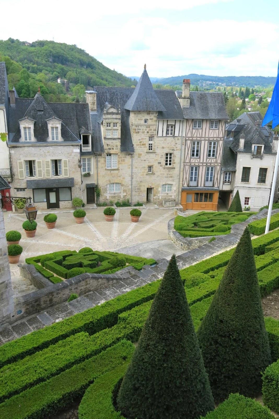 Ecoute s 39 il pleut terrasson et les jardins de l 39 imaginaire - Les jardins de l imaginaire a terrasson ...