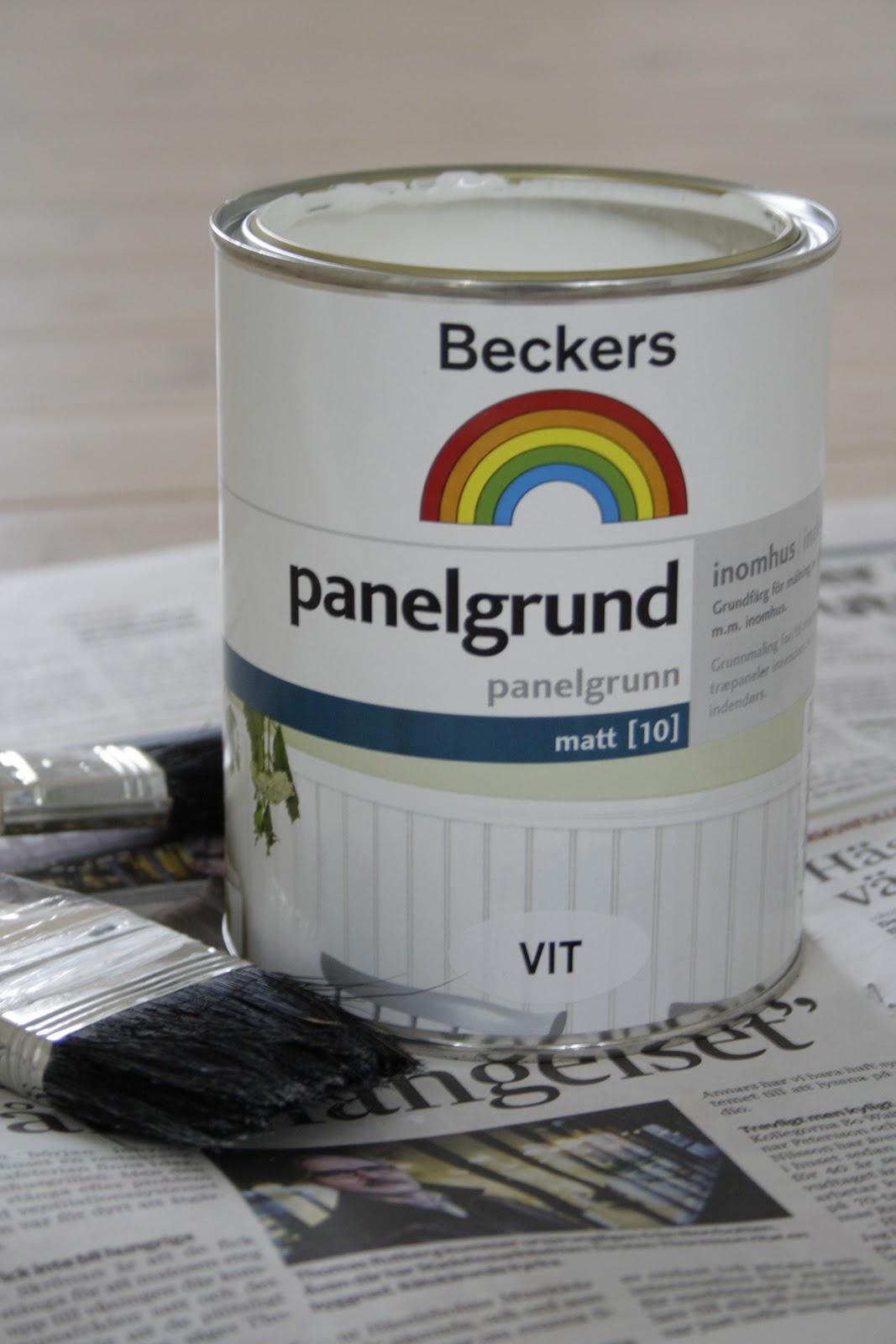 måla lackat golv vitt