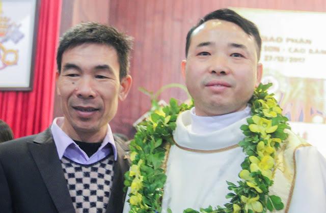 Lễ truyền chức Phó tế và Linh mục tại Giáo phận Lạng Sơn Cao Bằng 27.12.2017 - Ảnh minh hoạ 210