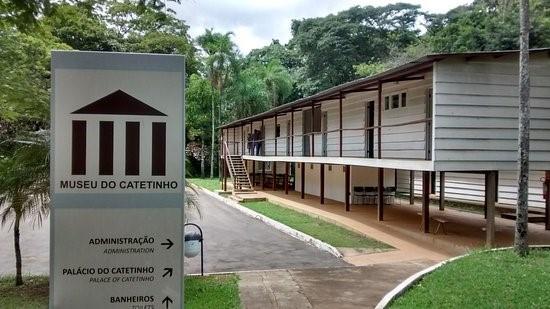 https://www.oblogdomestre.com.br/2020/07/Brasilia.CincoLugaresMaisTour.Viagem.html