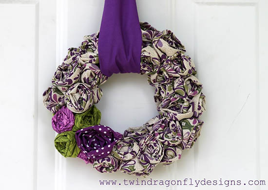 Twin Dragonfly Designs - Scrap Fabric Rosette Wreath Tutorial