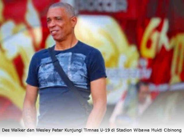 Des Walker dan Wesley Peter Kunjungi Timnas U-19 di Stadion Wibawa Mukti Cibinong