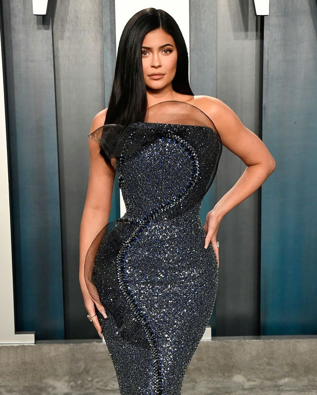 Kylie Jenner puts her billion dollar curves on show at the 2020 Vanity Fair Oscars Party