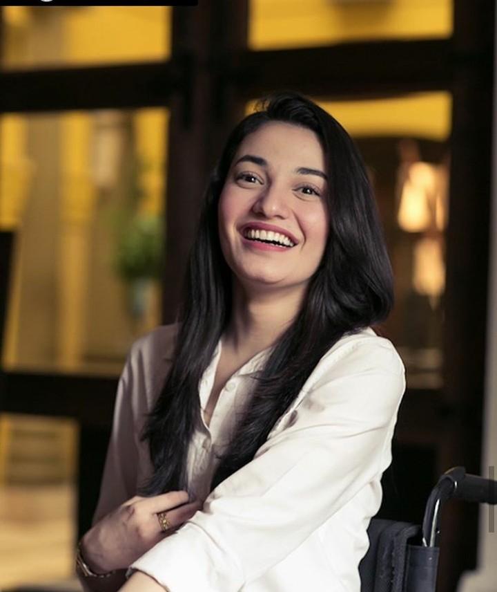 Muniba Mazari, Model Wanita Berkursi Roda