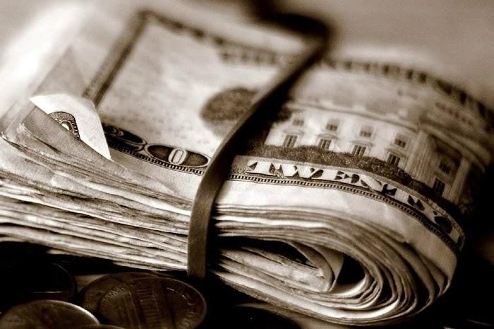 Действенные заговоры на удачу в работе и привлечение денег