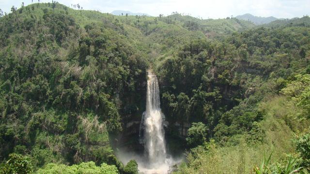 Vantang  waterfall