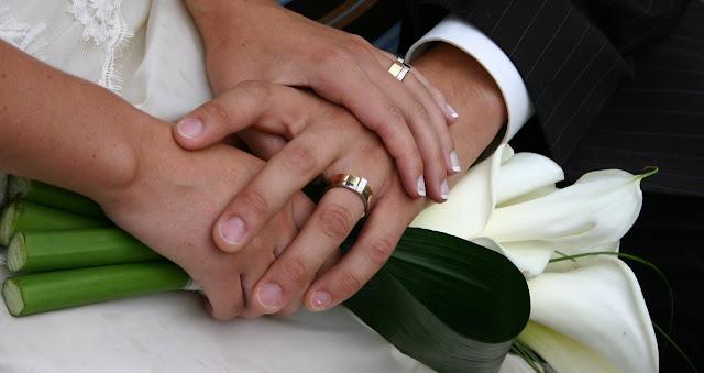 Keputusan Menikah Muda Karena Bosan Dengan Pekerjaan