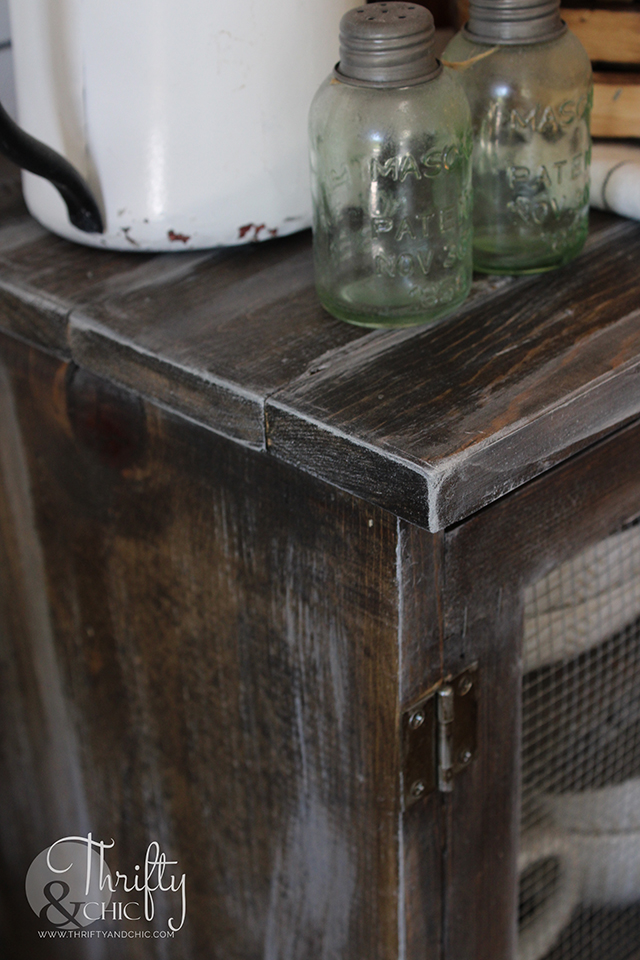 diy pie safe, easy diy farmhouse decor, diy farmhouse projects, how to make new wood look old, how to age wood, age wood tutorial, countertop pie safe, buffet decor, farmhouse dining room decor