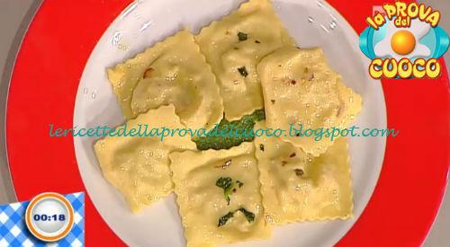 Tortelli di salsiccia e caciotta su crema di broccoletti ricetta Bertol da Prova del Cuoco