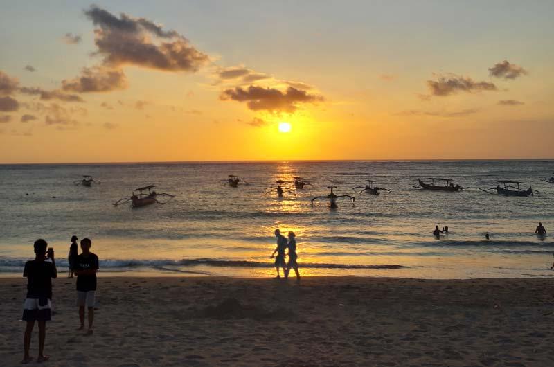 Liburan Wisata ke Pantai Kuta Bali