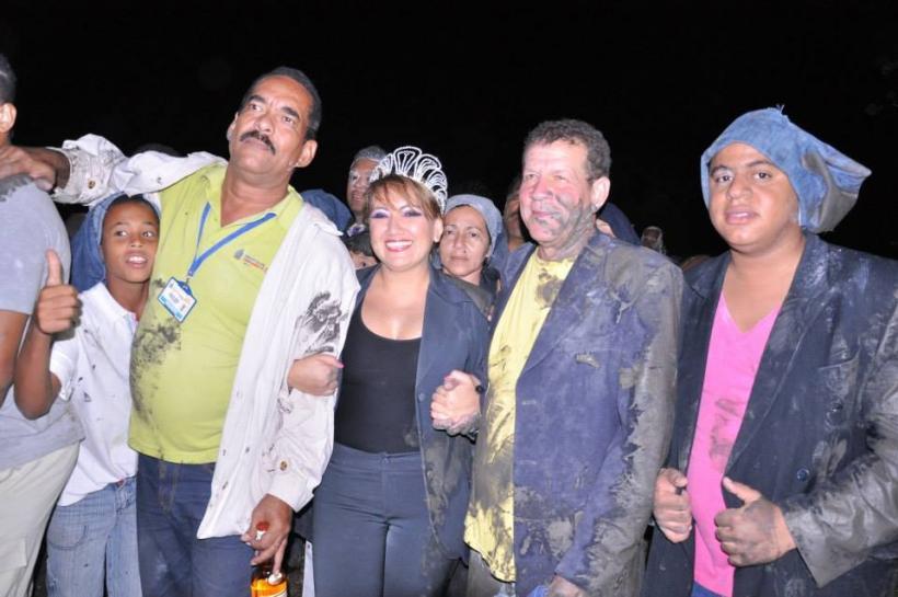 https://www.notasrosas.com/ Riohacha llora la partida de dos de sus embarradores que casi juntos, se fueron