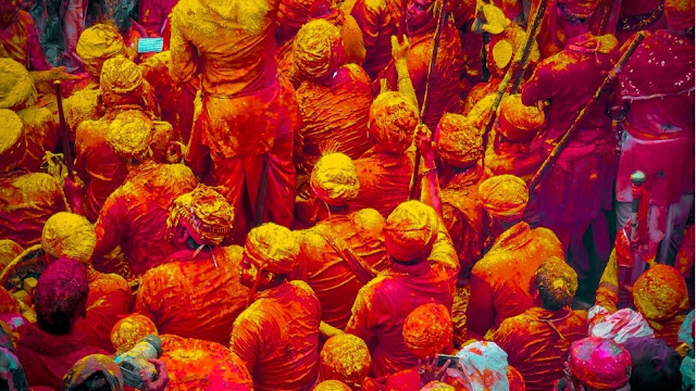 WAYS TO PROTECT SKIN FROM HARMFUL COLOURS ON HOLI (2021)