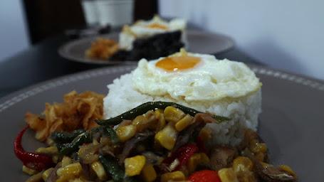 Nyobain Kuliner Jakarta Nasi Peda Pelangi SCBD