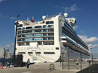 Diamond Princess i Yokohama nov 2019 foto NEO-NEED, wikimedia, lisens CC by-sa 4.0
