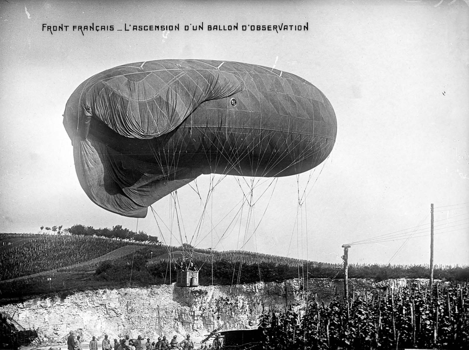An observation balloon ascends on the French front. 1915.